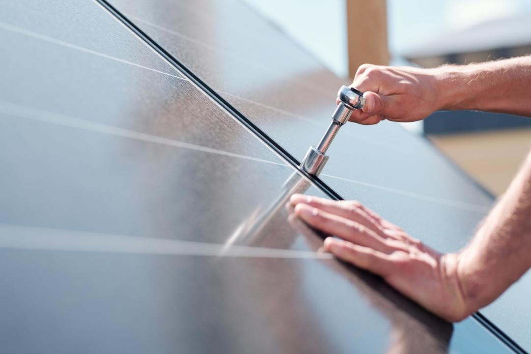 Zonnepanelen monteren - Zonnepark Broekstraat